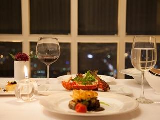 高雄【龍蝦酒殿 - 高雄漢來大飯店】碳烤澳洲和牛紅酒沙司單人套餐券