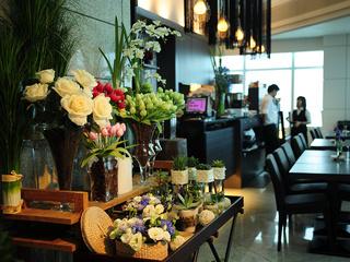 台北【 Elly's Flower & Cafe 台北花苑時尚整合館 101分店 】晚餐單人套餐券
