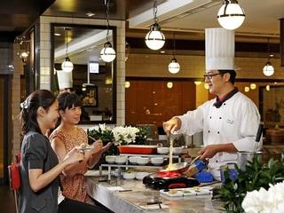 台北【絲路宴餐廳-The Westin Taipei 威斯汀六福皇宮】頂級旗艦版下午茶餐券(波斯頓龍蝦排餐+自助Buffet)(平假日通用)