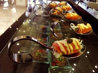 台中【饕餮美食天堂 - 通豪大飯店】假日午、晚餐吃到飽一客