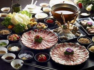 高雄【銅花精緻涮涮鍋】平日豪華四人套餐券