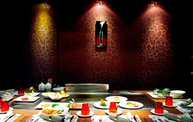 電子餐券 - 新竹【紅師父鐵板燒】主廚精選海陸套餐系列當月生日禮讚 四人同行壽星免費($3234抵$4312)