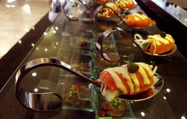 台中【饕餮美食天堂 - 通豪大飯店】平日晚餐吃到飽一客